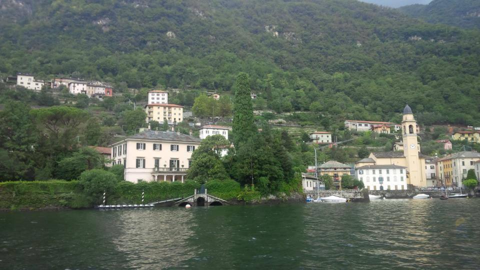 Cruising along the shore of Lake Como.