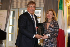 William A. Tramontano, Ph.D. and NOIAW 2017 honoree Vita Carulli Rabinowitz, Ph.D.